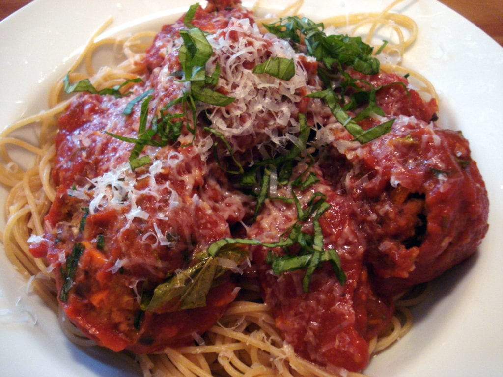 spaghetti and bean balls photo 1024x768