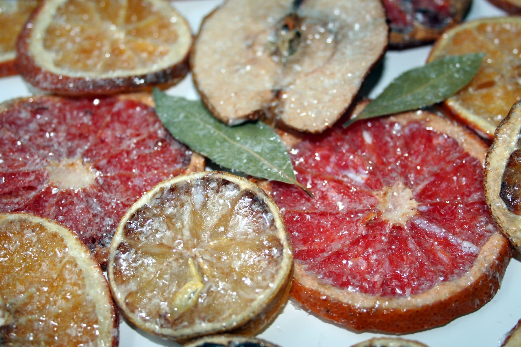 Dried fruit christmas decorations for Baking oranges for christmas decoration
